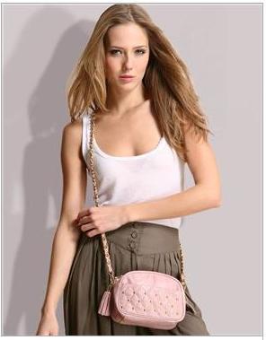 Bow bag tachas em couro